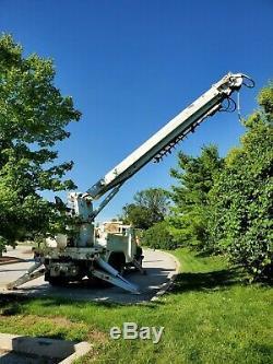 2001 Int' 4900 Digger Derrick crane, 6X4, 52K miles, 60' boom, lifts 25,250 lbs